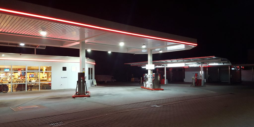 German Petrol station Frankfrut 100W (1)