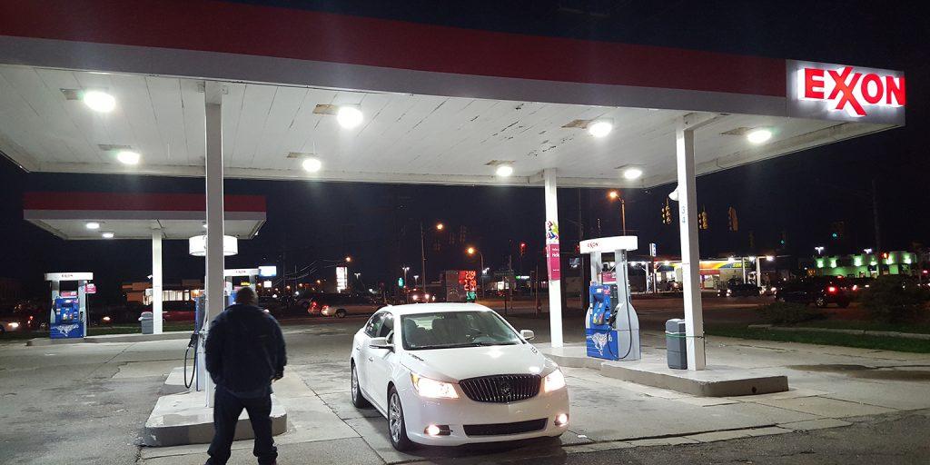 USA Petrol Station (3)